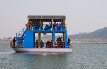 boating in telaiya dam