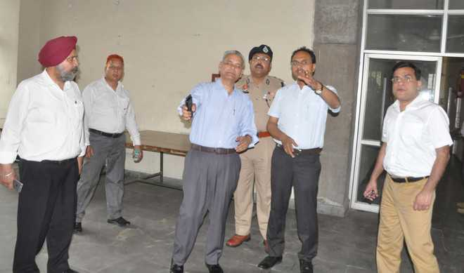 DC Jalandhar warned absent staff from election duty
