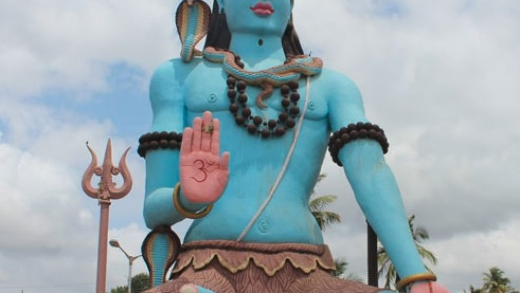 ಶ್ರೀಕಂಠೇಶ್ವರಸ್ವಾಮಿ ದೇವಸ್ಥಾನದಲ್ಲಿನ ಶಿವ ಪ್ರತಿಮೆ