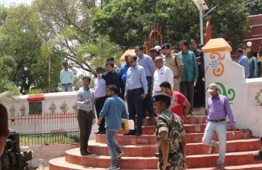 Principle-Secretary and District Magistrate visiting Veer Kunwar Singh Fort