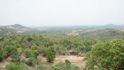 रामरेखा धाम घाटी का दृश्य.