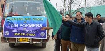 25 fish farmers flagged off on exposure tour in Budgam