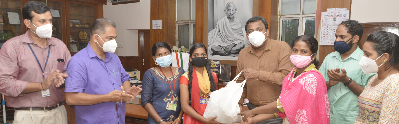 Collector S Shanavas inaugurates Kudumbasree Nutrition Kit Distribution for adolescent girls belonging to the Scheduled Tribes06/11/20