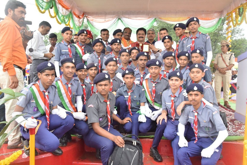 Certificate and Prize to Scout Guide Cadets