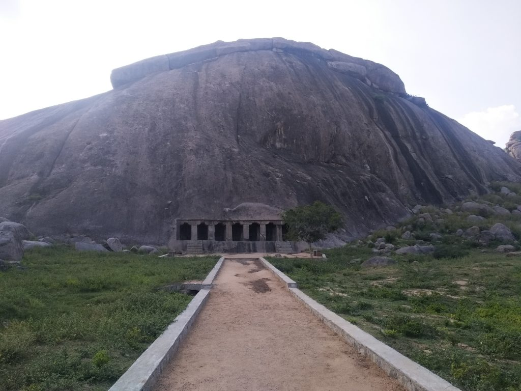 Rock cut cave, Vilappakkam