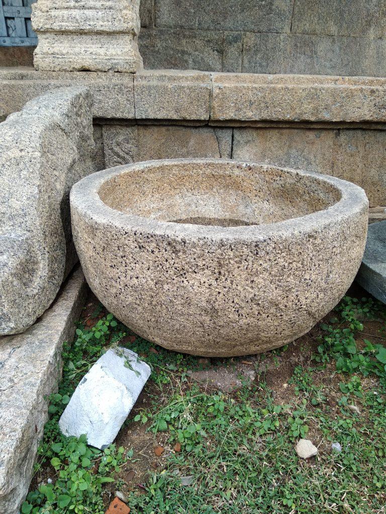 நீர் தொட்டி, சோமநாதர் கோவில், மேல்பாடி