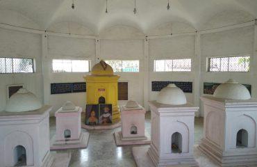 Tombs of Ceylon Kings family, Muthu mandapam
