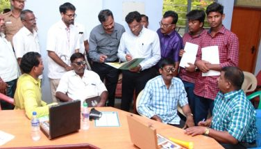 Collector Participated in 'No Pen Day' Special Medical Camp For Government Employees At Arani BDO Office