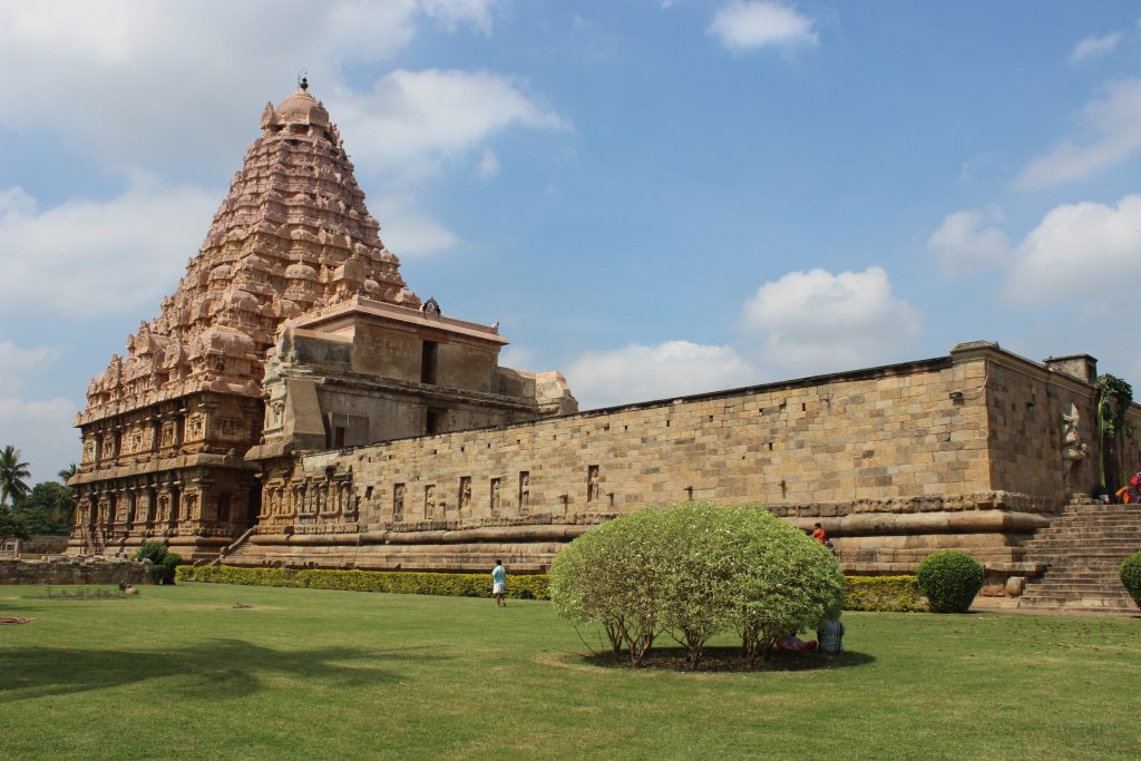 Gangaikonda Cholapuram Temple - Side View