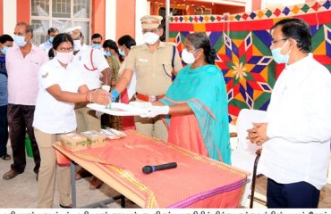 Kabasuram powder pockets distributed to Police and their family members
