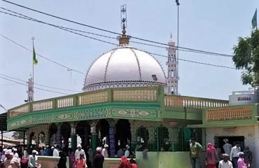 shadra sharief shrine
