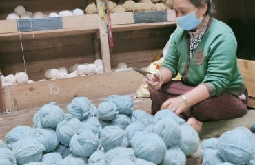 Handicraft_ making Wool