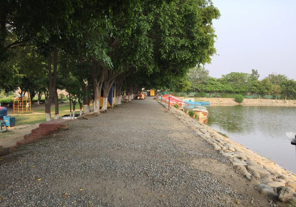 lake_paradise_rudrapur_lake_side