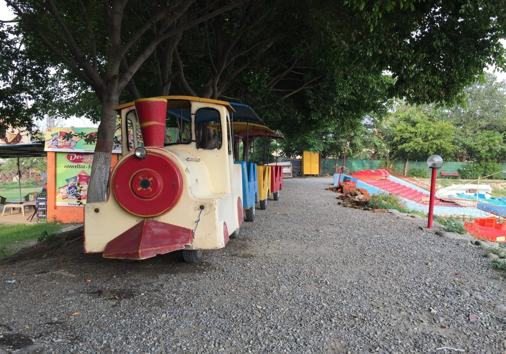 lake_paradise_ rudrapur_toy_train