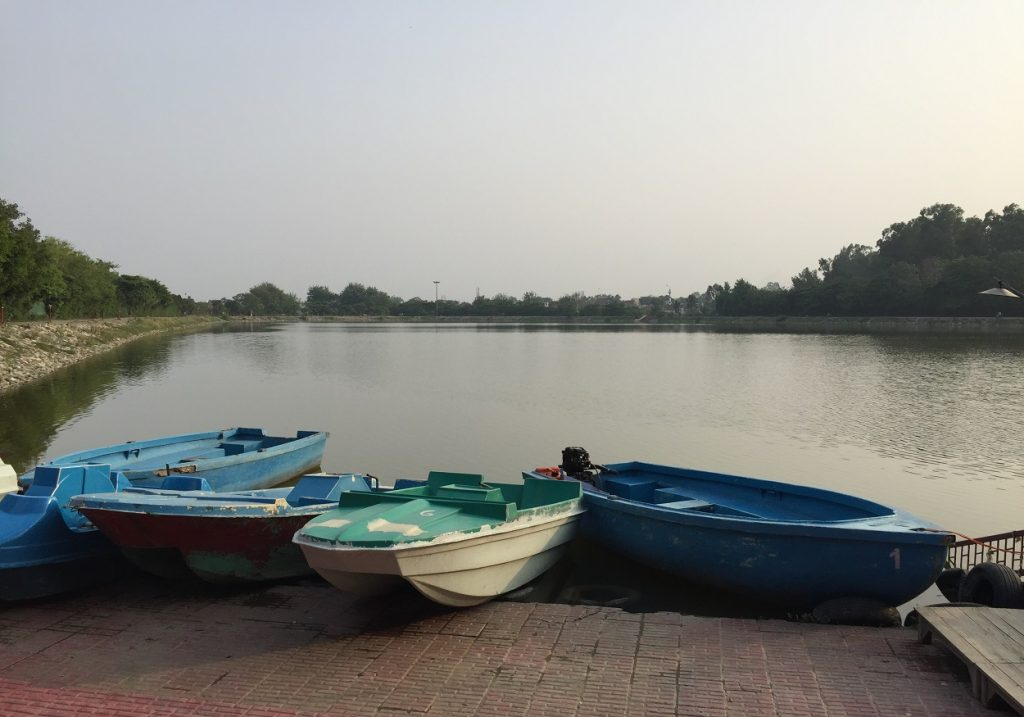 lake_paradise_rudrapur_boating