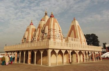 Photo Gallery Temple at Braham Sarovar Kurukshetra