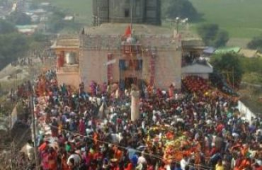 Crowd of devotees in the Umaga_Temple