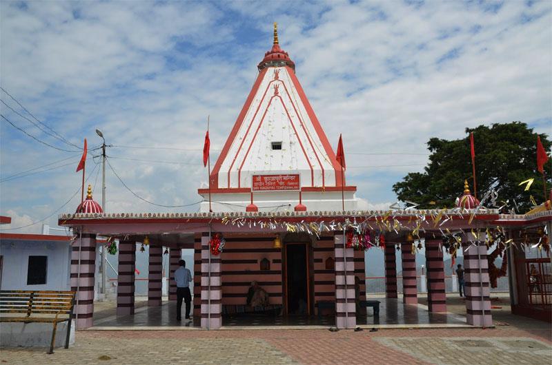 कुंजापुरी माता का मंदिर