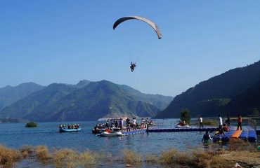 Paragliding at Tehri Lake