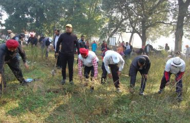 Cleaning in kanjli Wetland