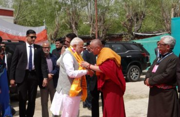 Hon'ble Prime Minister being welcomed with Khatak at Jivetsal Leh