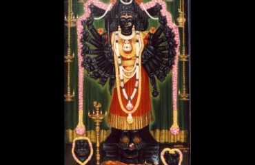 Sri Chamundeshwari Devi full view