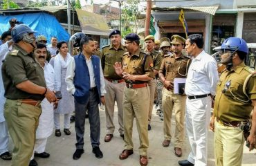 After Declaration of Ayodhya Verdict , DM sir And SP Sir inspection of peace committee at sikanderpur,