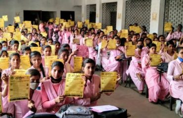 As part of the Mission Shakti Abhiyan, A 'School of Administration' and 'Haq Ki Baat with District Magistrate' program were organized by Gulab Devi College, Ballia on behalf of the Women's Welfare Department