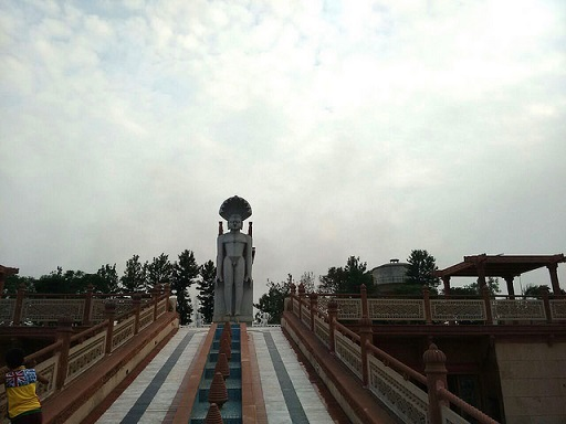 Parshvnath-Statue-another-view