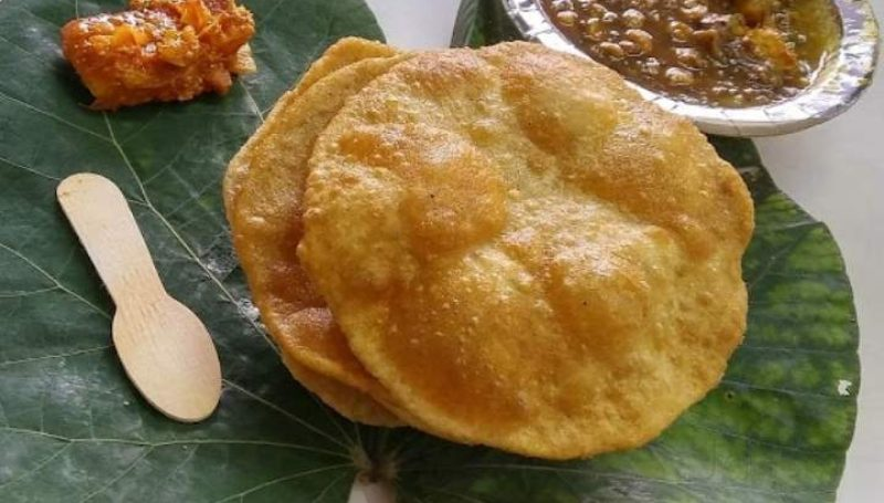 Puri With aloo ki sabji