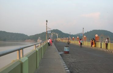 View of Maithon Dam Road