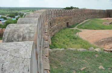 Thirumayam - Fort Wall.