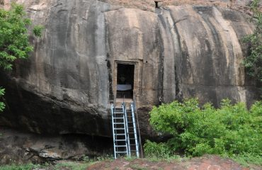 Thirumayam - Fort - Cave Sivan.