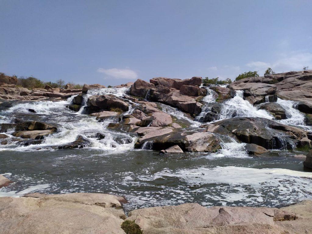ರಾಯಚೂರು ಜಿಲ್ಲೆಯ ಗುಂಡಲಬಂಡಿ ಜಲಪಾತ