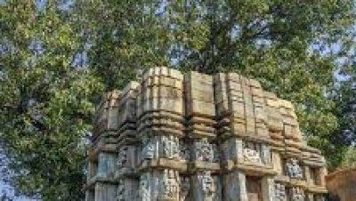 विजयादित्या मंदिर - बरसूर