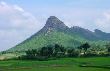 त्रिकुट  पहाड़