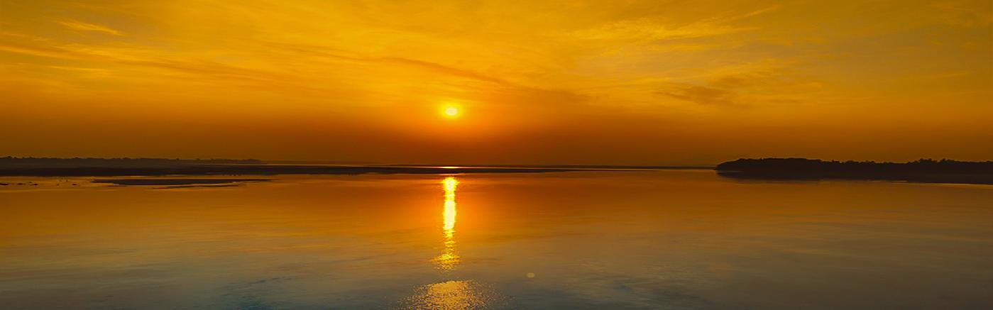 Sunset view in Ansupa Lake.
