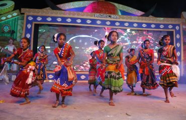 Traditional dance performance by Young Girl