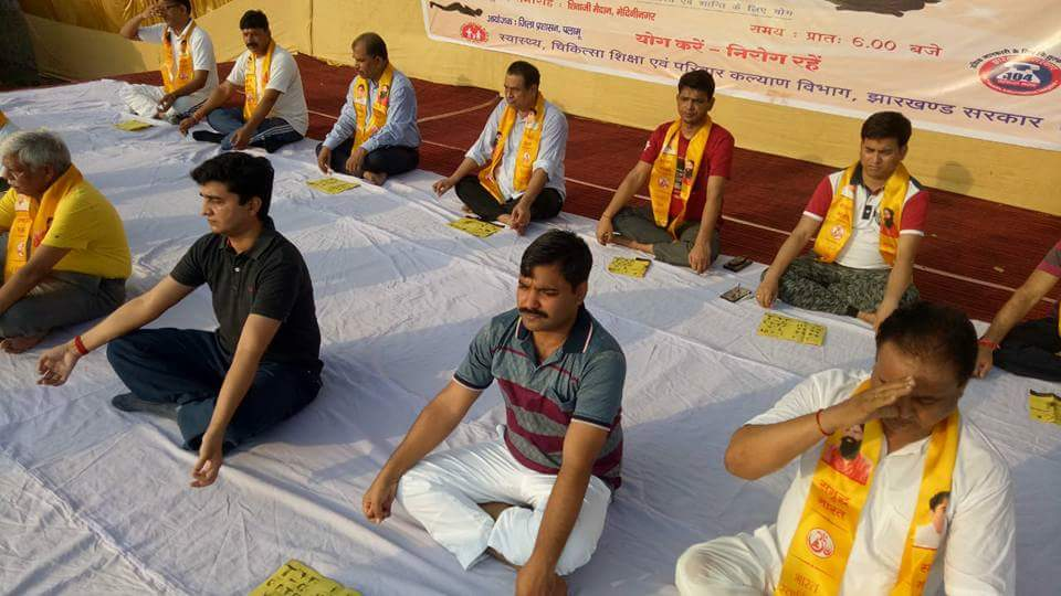 yoga_in_group