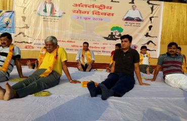 district_officer_doing_yoga