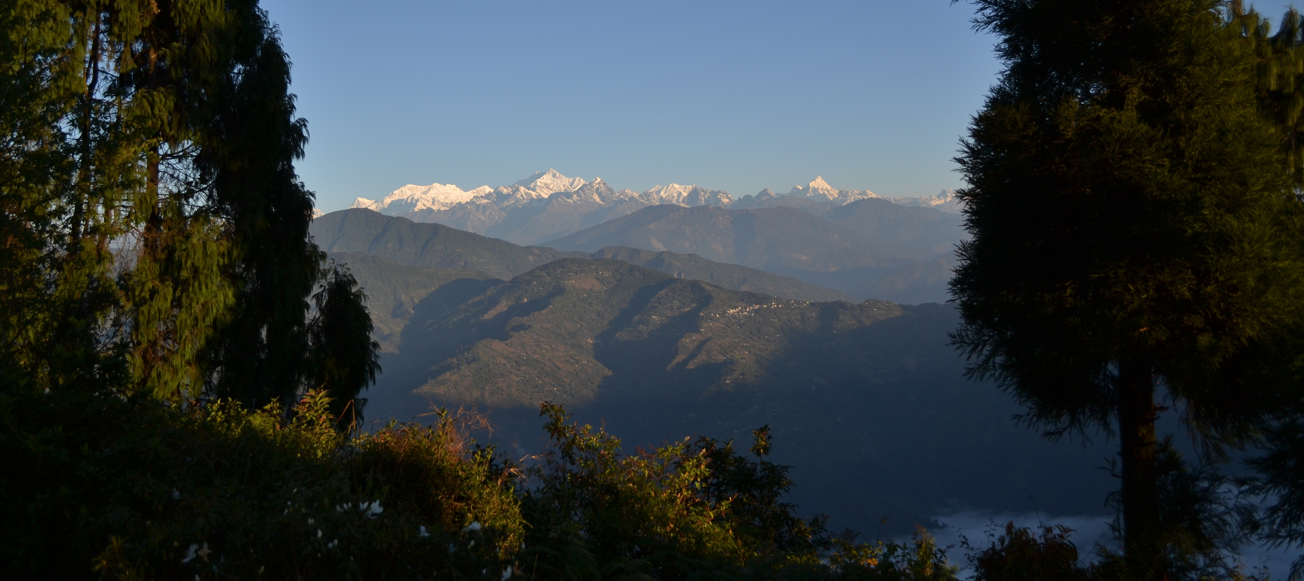 kanchenjunga from Deolo.