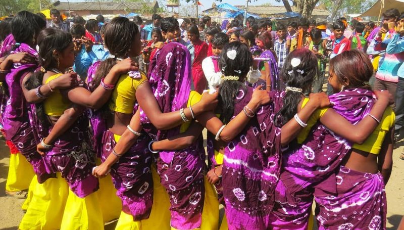 Dancing Tribal Girls, Bhagoriya Festival, Paschim Nimad