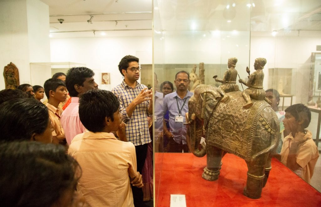 NCLP Tirunelveli STC Children is being explained by the guide about the Indian civilization in national museum newdelhi.