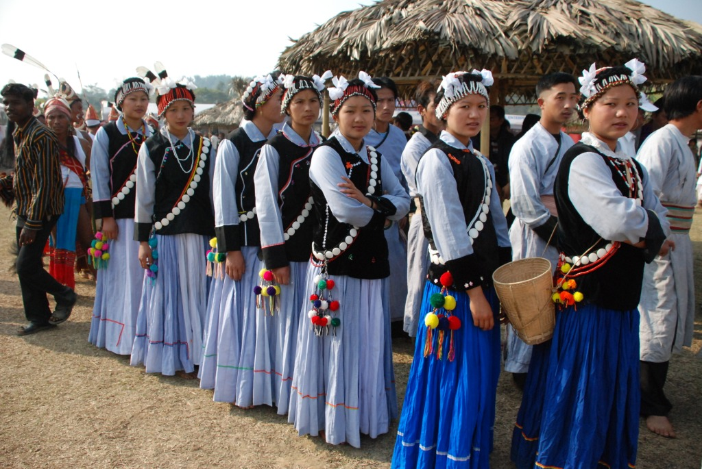 Lisu ladies ready for performing dance