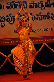 Kuchipudi dance post by woman