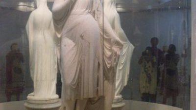 Salar jung Musuem Statue