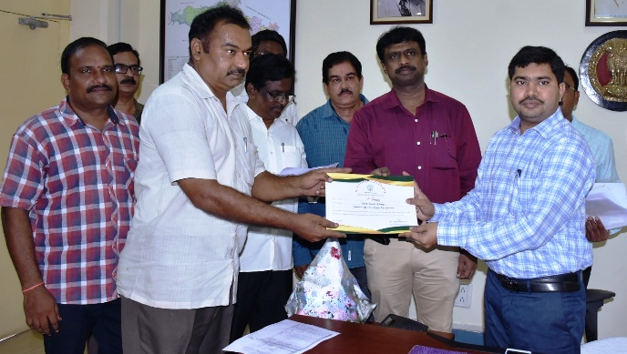 Joint Collector distributed Certificates to surveyors at Collectorate kakinada