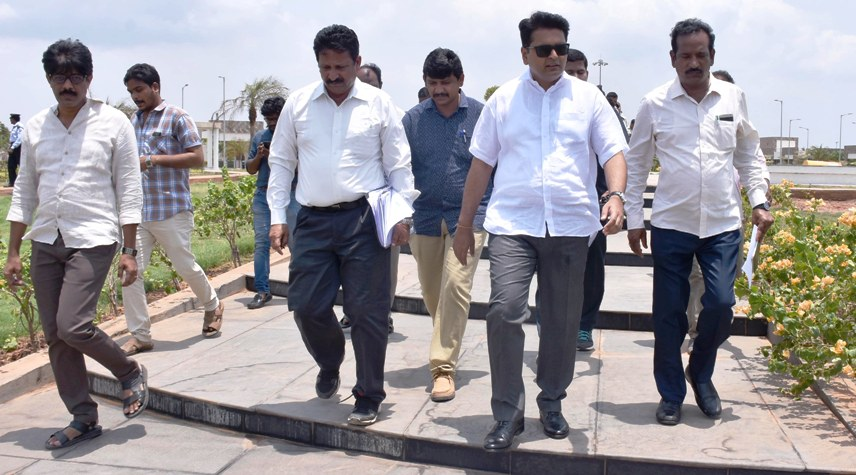 District Collector inspected Kakinada beach beautification works