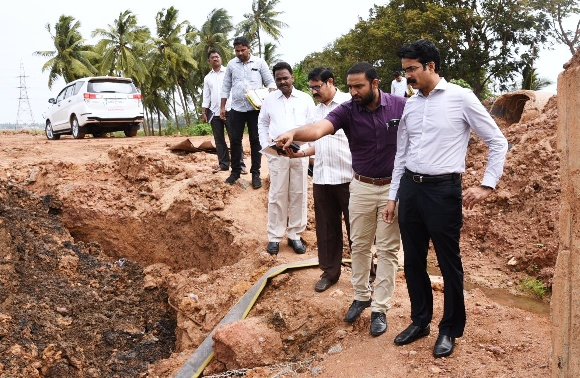 District Collector Inspected NH-216 road work from Kathipudi to Madhavapatnam on 18.06.2019.