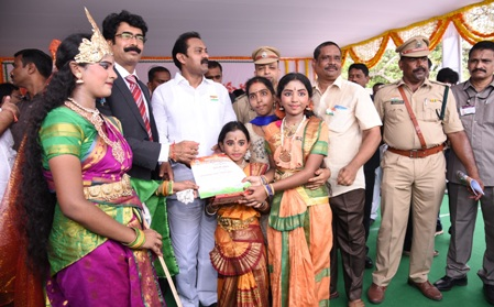 On 15.08.2019 District Incharge Minister distributed merit certificates on the eve of 73rd Independence day. District Collector and Superintendent of Police and other officers participated.